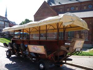 Katedrálne námestie v Rige - Chlastací voz