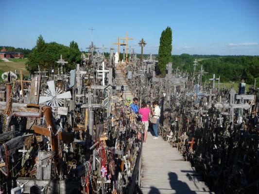 Hora krížov v Litve - centrálna cestička