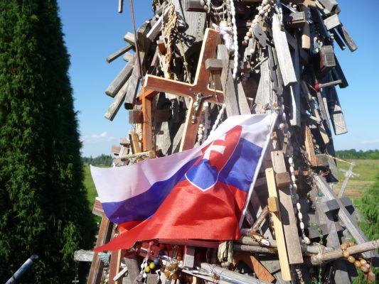 Hora krížov v Litve - návštevníci prichádzajú i od nás