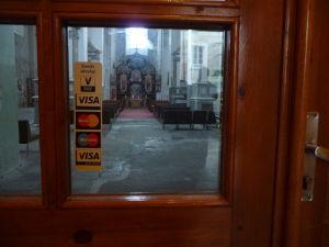 Chrám sv. Trojice - Na oferu sa môže prispieť i kartou