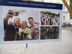 Postery pripravené pre inauguráciu znovuzvolenej prezidentky