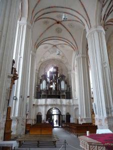 Chrám sv. Anny - Hlavná loď a organ