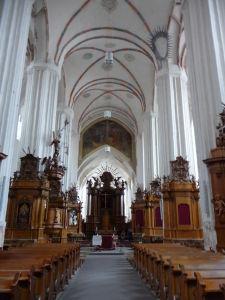 Chrám sv. Anny - Hlavná loď a drevené dekorácie