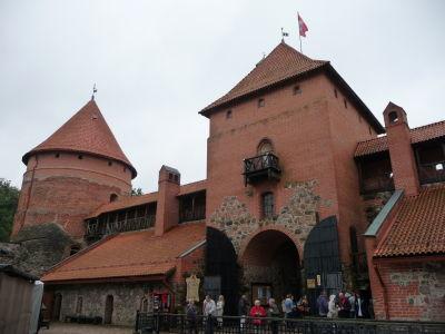 Hlavná brána a obranná veža