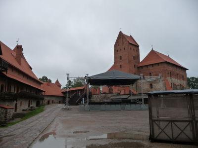 Nádvorie hradu a Vojvodcovský palác