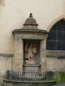 Chrám archanjela Michala - Archanjel Michal býva vyobrazovaný ako víťaz nad diablom