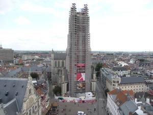 Pohľad na Katedrálu sv. Bava zo zvonice