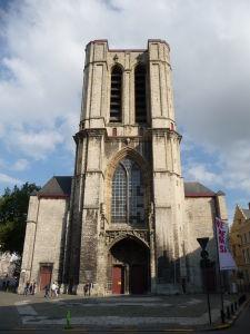 """Kostol sv. Michala (Sint Michielskerk) a jeho """"useknutá"""" veža"""