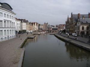 Ghent - plavba môže začať (pohľad z Mostu sv. Michala na Korenlei a Graslei)