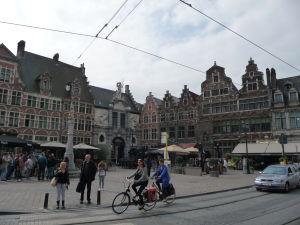 V uliciach Ghentu - Námestie Sint Veerplein a rybí trh