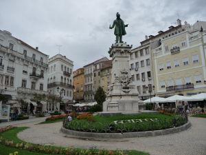 Coimbra - Staré mesto - Monument Joaquima Antónia de Aguiar
