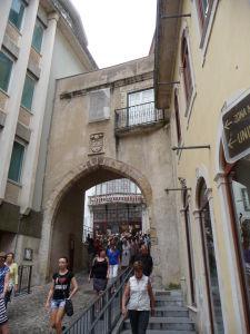 Coimbra - Staré mesto - Almedinský olbúk (Arco de Almedina)