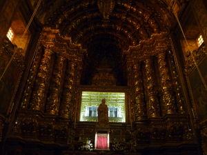 Nový kláštor Santa Clara - Chrám a ostatky Sv. Kráľovnej Alžbety Portugalskej
