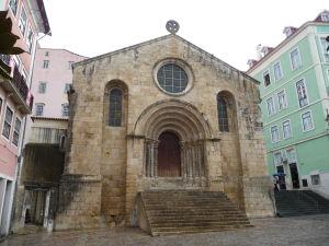 Coimbra - Kostol sv. Tiaga (Igreja de São Tiago)