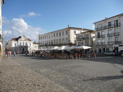 Hlavné námestie v Évore - Praça do Giraldo