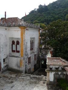 Jeden z dvorov paláca