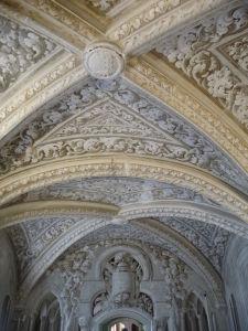 Bohato zdobený strop paláca