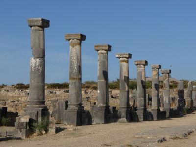 Hlavná ulica Decumanus Maximus lemovaná stĺporadím