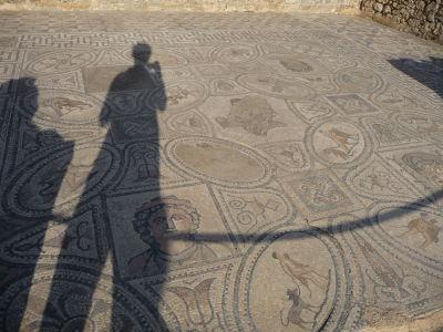 Mozaika zobrazujúca skutky Herkula