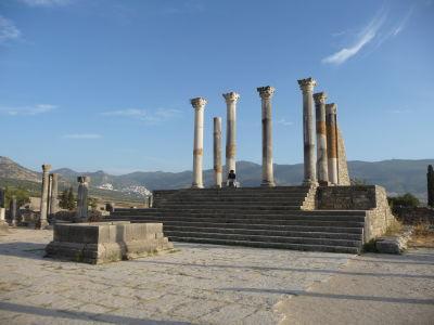 Kapitolský chrám (Jupiter, Junó a Minerva) na fóre vo Volubilise