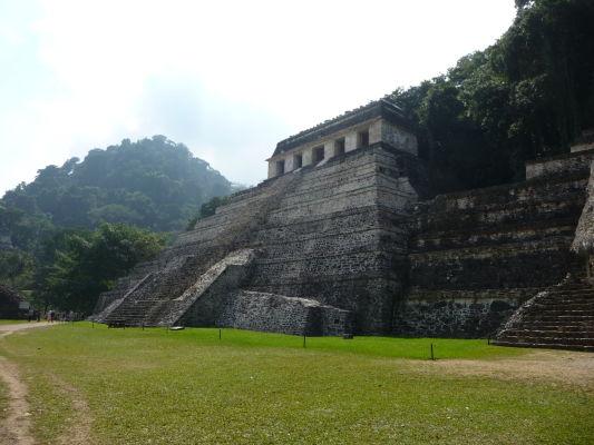 Chrám nápisov (Templo de las Inscripciones) v Palenque - najdôležitejší chrám celého náleziska