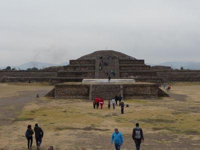 Quetzalcoatlova pyramída
