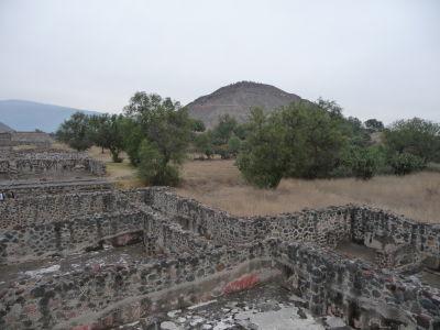 Pyramída Slnka pri pohľade zo Ciudadely