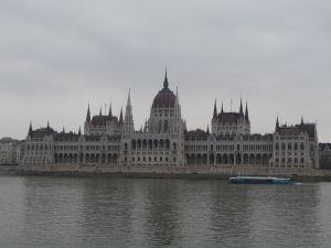 Maďarský parlament - Pohľad z budínskeho brehu