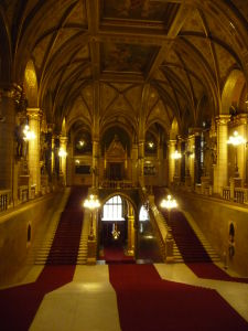 Maďarský parlament - Vstupná hala