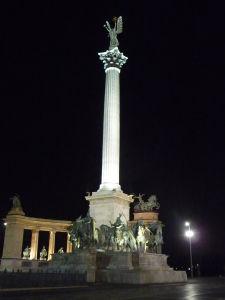 Monument na Námesti hrdinov