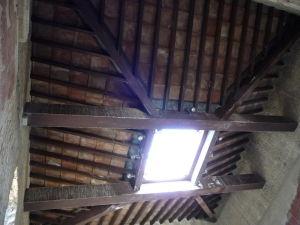 Drevené compluvium - Otvor v streche, kadiaľ stekala dažďová voda do impluvia