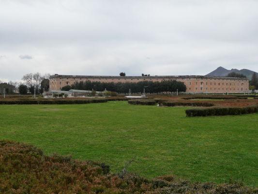 Bočné krídlo kráľovského paláca Reggia v Caserte