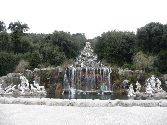 Fontána Diany a Aktaióna v parku kráľovského paláca Reggia di Caserta