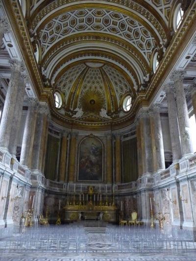 Palatínska kaplnka - miesto pre modlitby v kráľovskom paláci Reggia v Caserte