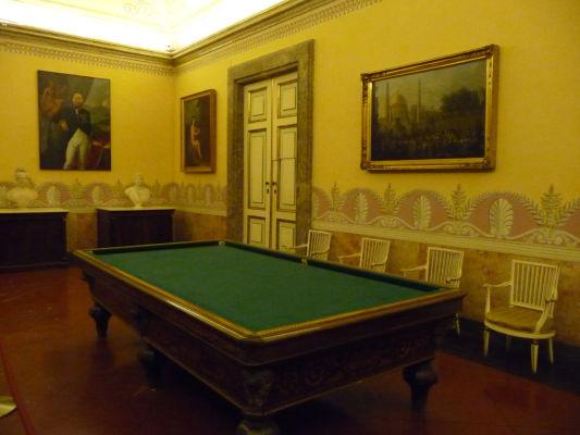 Spoločenská miestnosť v kráľovskom paláci Reggia di Caserta