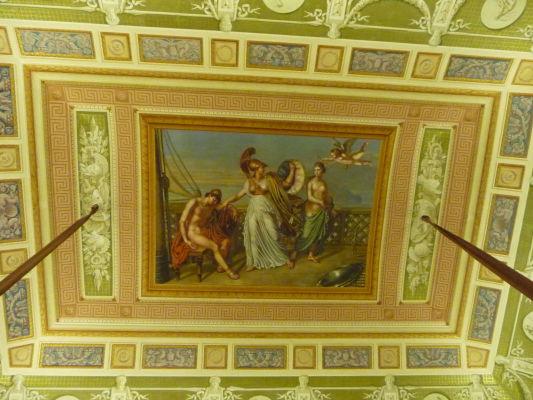Krásna ukážka neoklasicistického stropu v kráľovskom paláci Reggia di Caserta