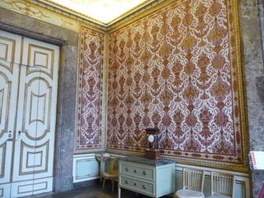 Výzdoba jednej z miestností v kráľovskom paláci Reggia di Caserta