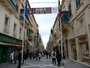 V uliciach Valletty - Ulica rebubliky, hlavná pešia ulica
