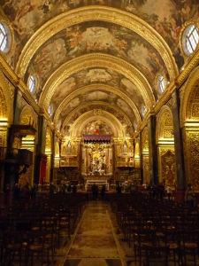 Interiéry Katedrály sv. Jána - Hlavná loď