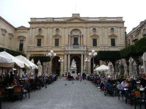 V uliciach Valletty - Národná knižnica