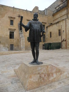Socha Jeana de Valetta, zakladateľa mesta