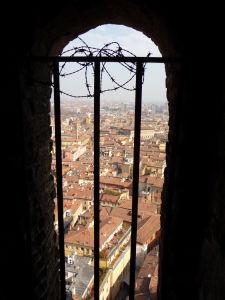 Pohľad zvnútra veže Asinelli
