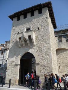 V uliciach San Marína - Vstupná brána do historického mesta