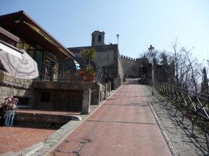 Cesta k prvej veži San Marína, Guaite
