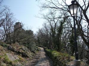 Cesta k veži Montale