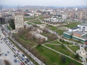 Rímskokatolícka Katedrála Matky Terezy - Pohľad z veže na campus Prištinskej univerzity