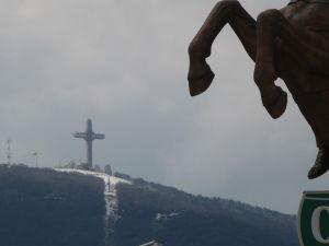 Sochy v Skopje - Najväčší kríž na svete