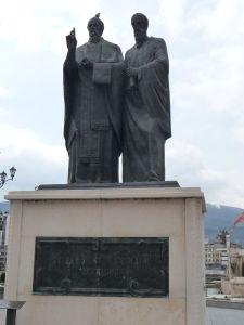 Sochy v Skopje - Sv. Kliment a Naum - Vierozvestci, žiaci Cyrila a Metoda