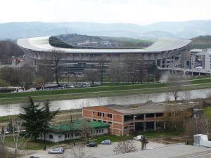 Pevnosť Kale - Pohľad na miestny štadión