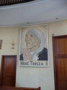 Katolícka Katedrála sv. Pavla - Matka Tereza je v Albánsku veľmi obľúbená, pretoža sama bola Albánkou z Macedónska